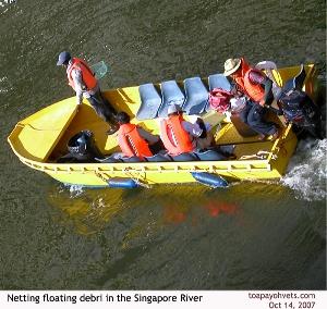 Regular maintenance keeps Singapore River clean. Toa Payoh Vets