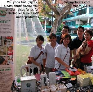 NANAS' Ms Lynda Goh raises funds with Singapore Management University undergraduates. Toa Payoh Vets
