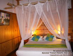 Myanmar, Lake Inle, Myanmar Treasure Resorts bedroom Toa Payoh Vets