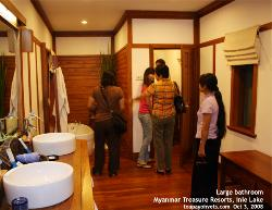 Myanmar, Lake Inle, Myanmar Treasure Resorts bathroom. Toa Payoh Vets
